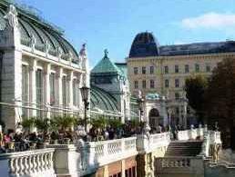 Cafe-Palmenhaus-Burggarten-Wien2
