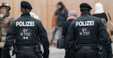bayerische-polizei-zeigt-verstaerkt-praesenz