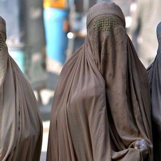 moroccan-authorities-raid-burqa-stores