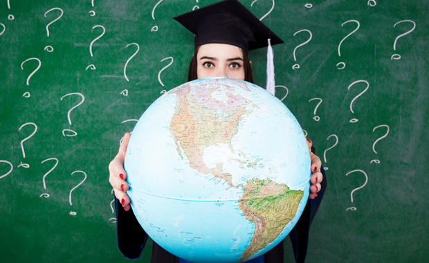 Studenți aleg universitati straine