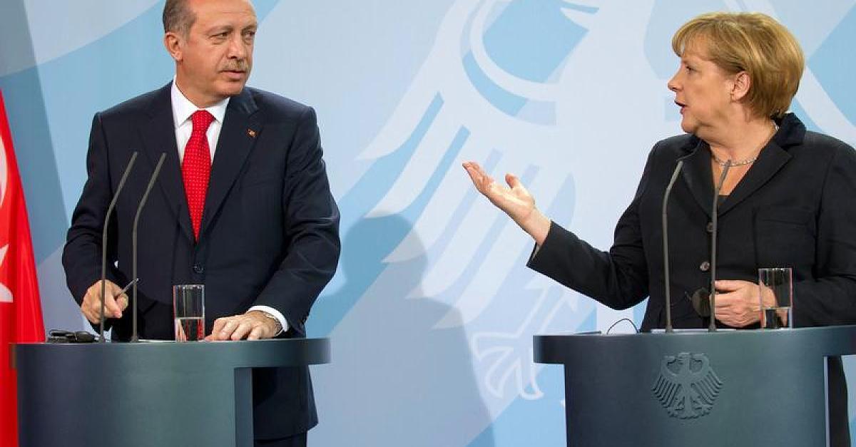 Merkel răspunde acuzațiilor potrivit cărora ar susține teroriștii