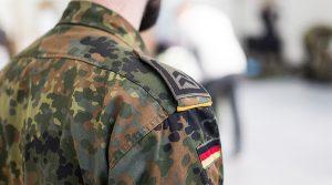 soldat-arestat