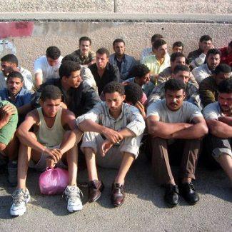 Lampedusa (Agrigento) 20/12/2003 Sbarchi immigrati clandestini a lampedusa Foto Studio Camera/infophoto