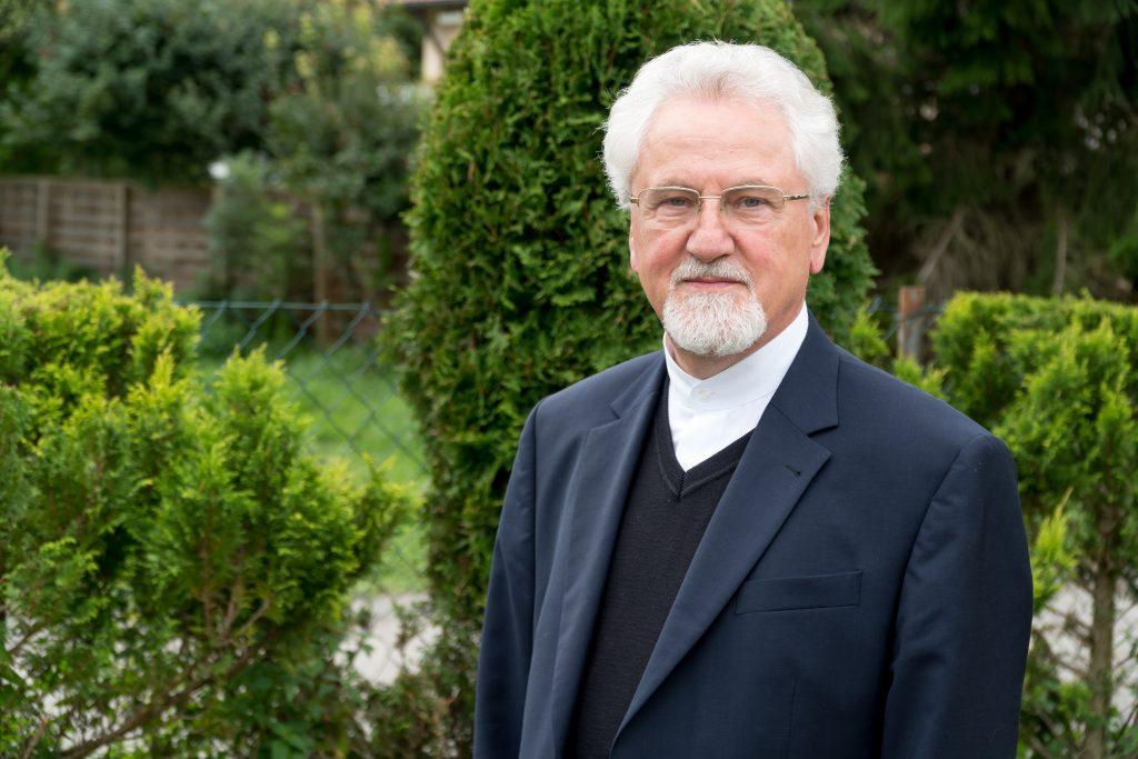Preotul paroh Simion Felecan