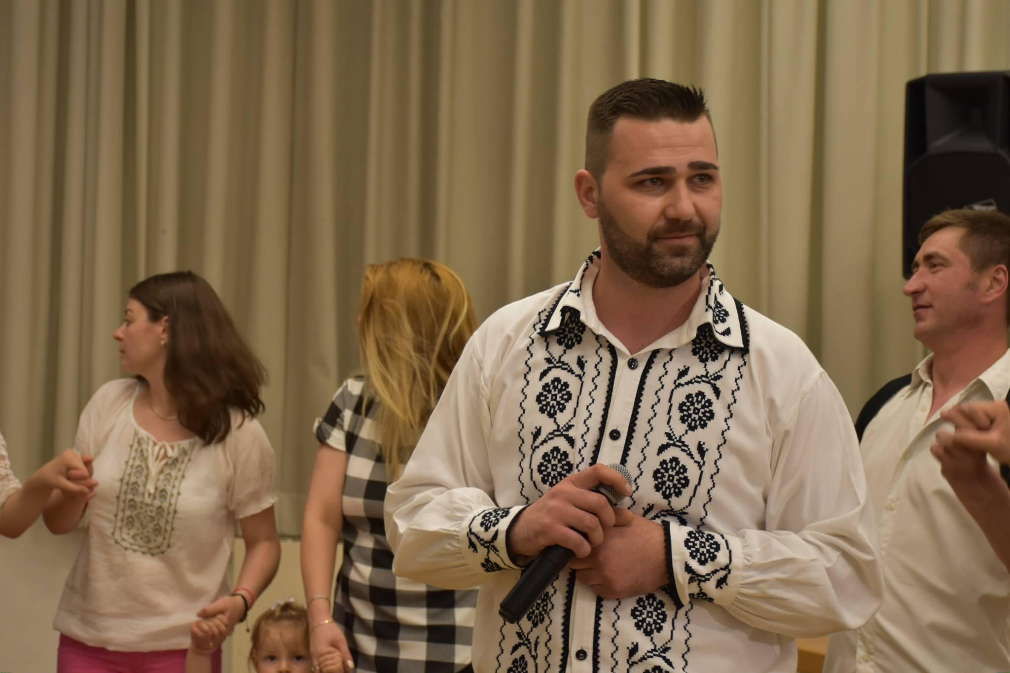 Liviu Ursu Cel Mai îndrăgit Cântăreț Român Din Germania Muzica