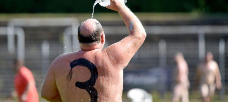 Fotbal în pielea goală