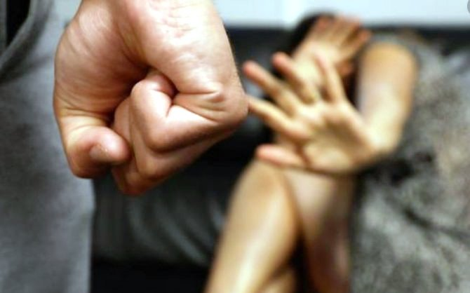 romanca violata propriul fiu
