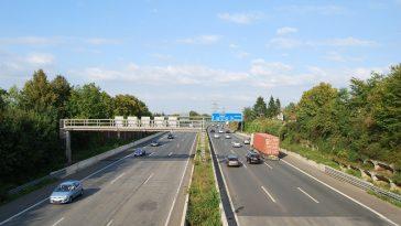 Autostrăzile din Germania rămân paradisul vitezomanilor. Limitele generale de viteză, respinse de politicieni