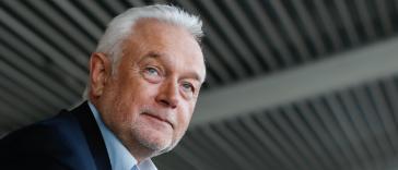 Interdicția de intrare în supermarketuri pentru nevaccinați înseamnă vaccinare obligatorie. Vicepreședintele Bundestagului atacă regula 2G